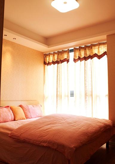 温馨暖色调宜家风卧室效果图