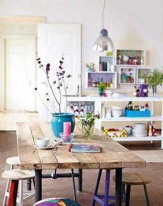 木质餐桌装饰设计图