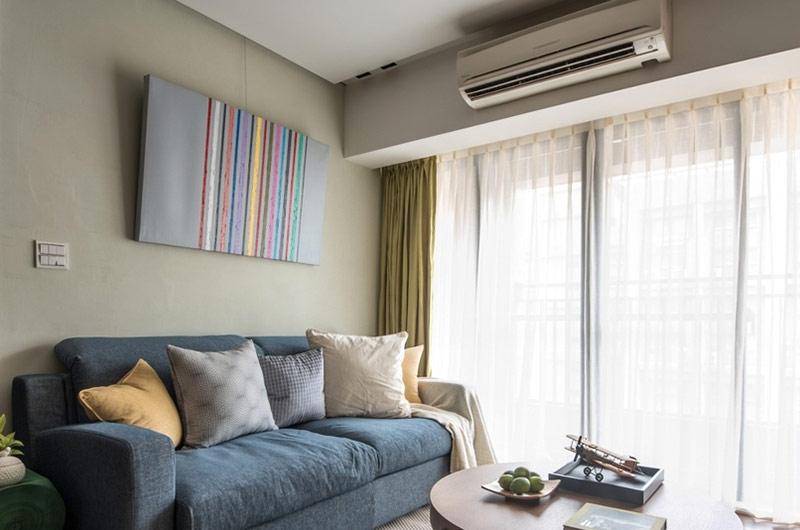 60平日式二居室客厅双层窗帘图片