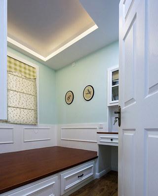 美式风格公寓客卧榻榻米装修
