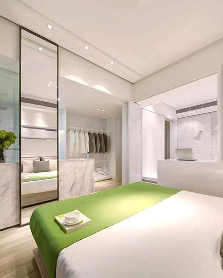 简约现代风卧室带衣帽间设计