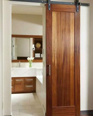卫浴间设计木质谷仓门装饰图