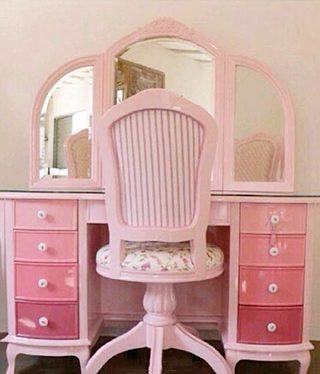 粉色梳妆台设计图片
