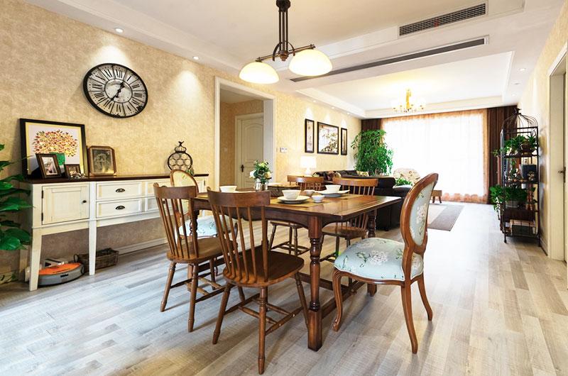 144平美式三居餐厅木制家具图片