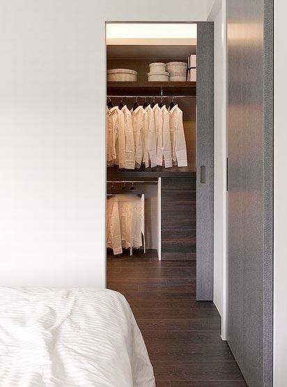 卧室衣帽间布置摆放图