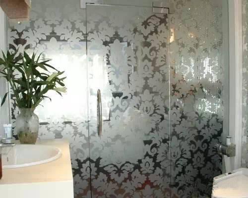 卫生间隐形门装修效果图 创意十足的隐形门设计