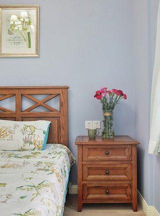 卧室床头柜设计摆放图片