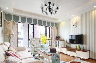 104平美式小三室装修客厅窗帘设计