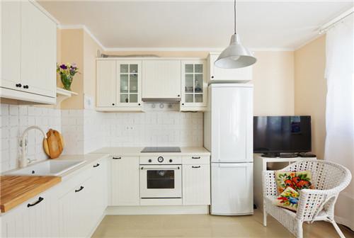 厨房装修效果图:l型布局