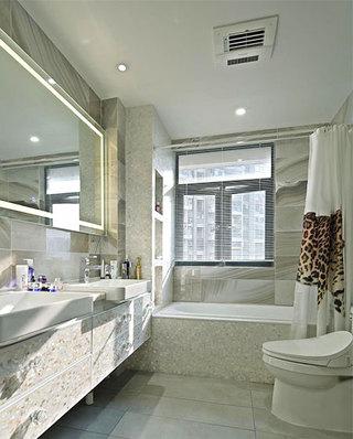 现代简约三居室装修主卫生间装修