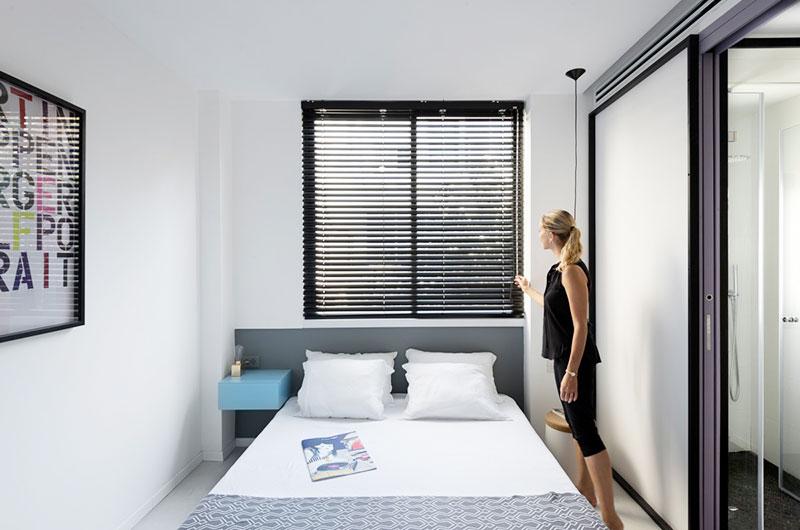 55平小户型两居室卧室百叶窗设计