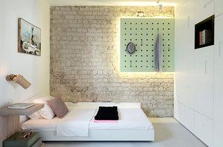 55平小两居室卧室背景墙设计图
