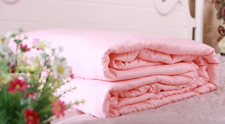蠶絲被子怎么洗 蠶絲被子洗滌方法有哪些