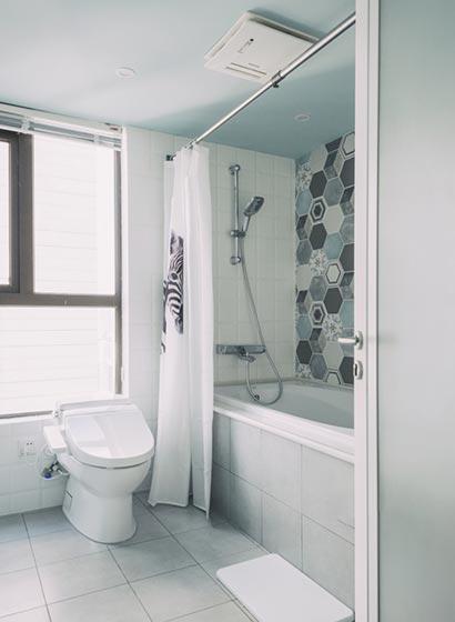 马赛克彩色浴室设计参考图