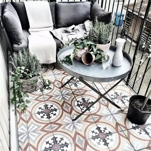 阳台地砖铺贴效果图 巧用地砖打造迷人的阳台高清图片