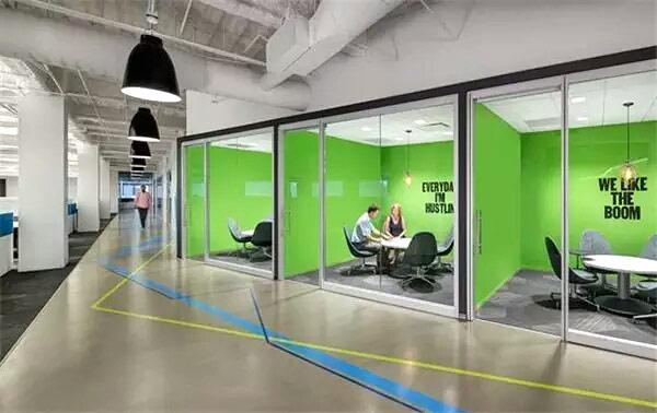 现代办公室会议室装修图片