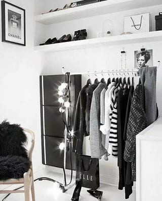 小户型单身公寓装修简易衣帽架