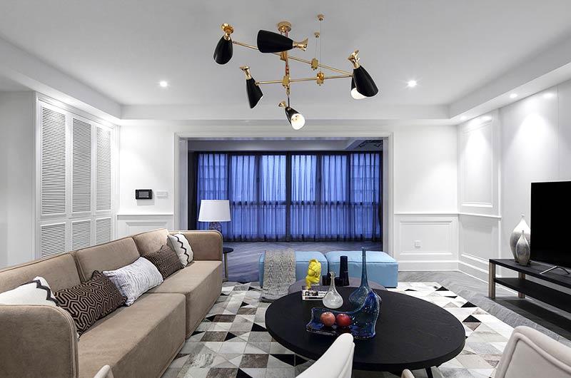 220平美式风格四居客厅茶几地毯图