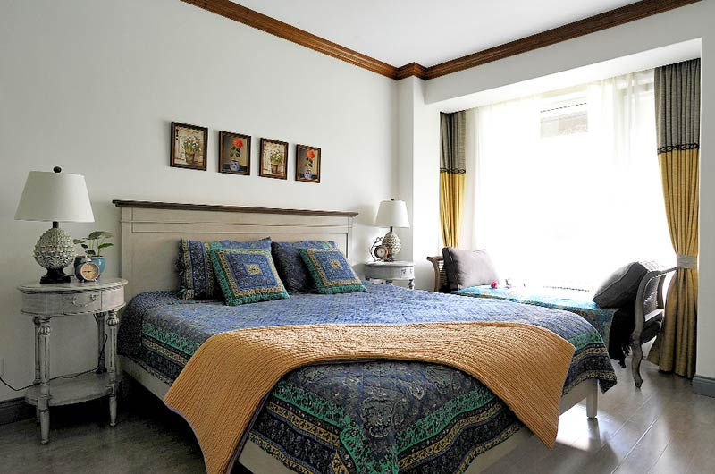 145平田园风格复式楼主卧室设计