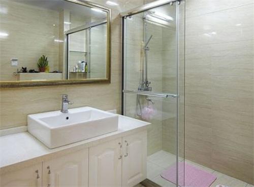 干湿分离卫生间装修效果图 助你打造完美卫浴体验