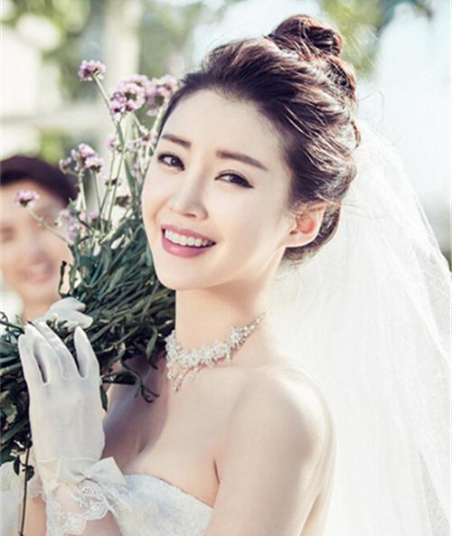 韩式婚纱照新娘造型特点 2017韩式新娘婚纱照图片图片