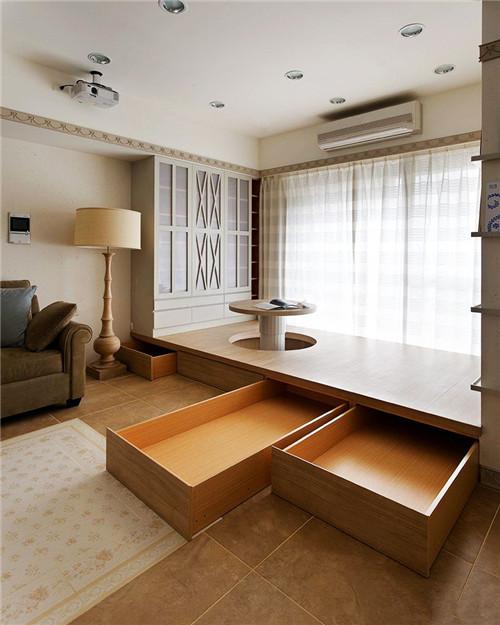 居室内的生活阳台,它是与外界的一个过渡区域,但是大部分的家庭只是