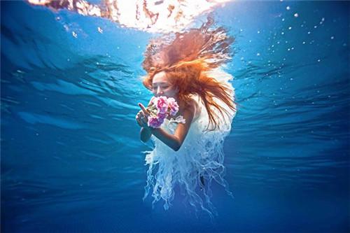 三亚水下婚纱照怎么拍 拍水下婚纱照注意事项