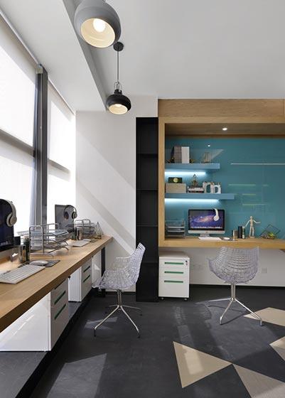 32㎡单身公寓设计书桌布置图
