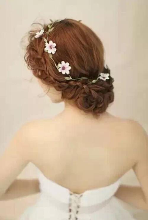 新娘结婚当天发型适合怎样的 结婚当天新娘注意事项