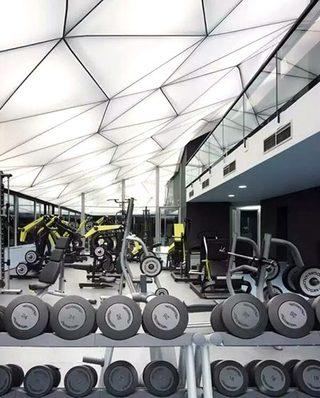 未来风格健身房吊顶设计