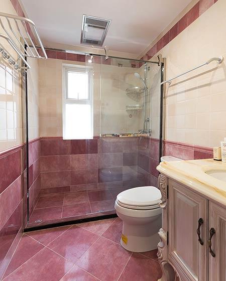 150平美式三居室卫生间装修图