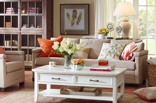 休闲客厅三人沙发实景图