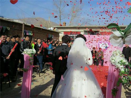 乡村婚宴怎么办 乡村婚礼现场如何布置