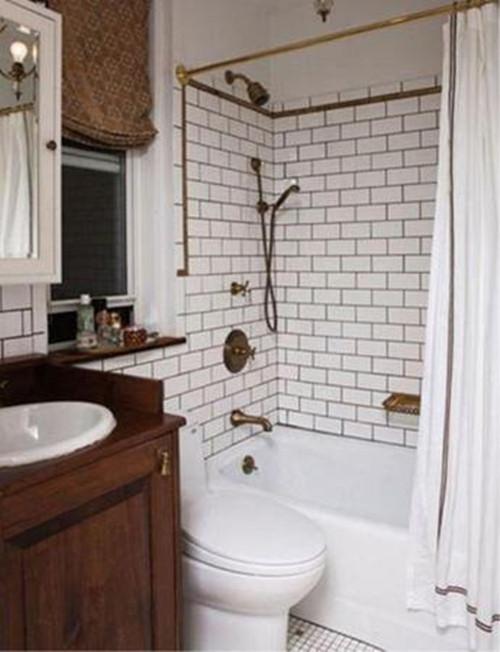 小户型浴室装修效果图 正方形浴室装修别有一番风味__