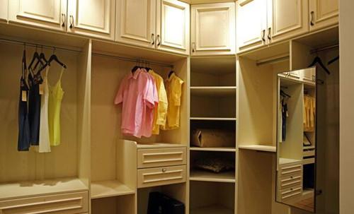 实木整体衣柜优点 实木整体衣柜如何保养