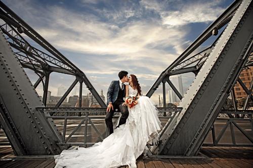上海拍婚纱照_上海婚纱照外景地推荐 拍外景婚纱照如何摆姿势