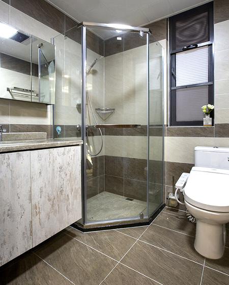 200平复式楼装修淋浴房效果图