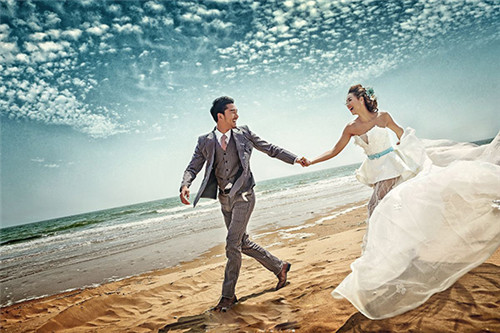 三亚海景婚纱照怎么拍好看 三亚海边拍婚纱照注意事项