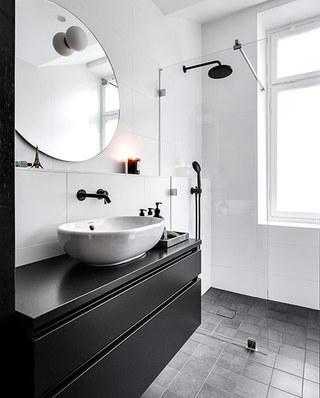 86平两室两厅装修卫生间设计图