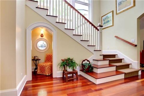 别墅楼梯装修效果图 独具魅力别墅楼梯设计