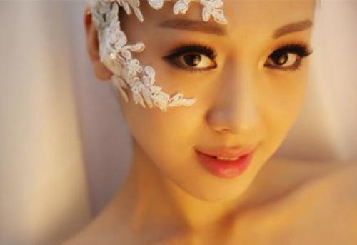 新娘眼影颜色搭配 什么颜色的眼影适合新娘妆