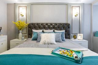147平美式三居室卧室床头软包