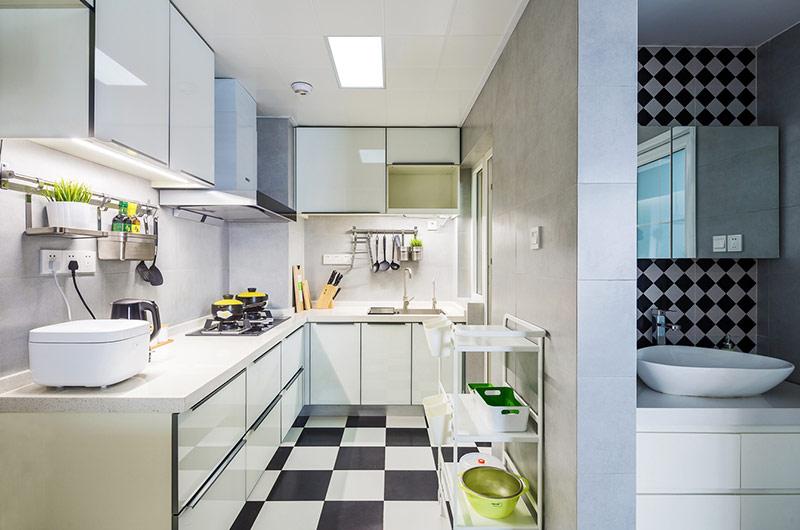 90平北欧风格三居厨房装修图