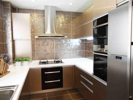 u型橱柜 适用情况 u型橱柜小编个人认为 更适用于正方形的厨房设计