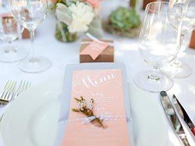 浪漫与惊喜  10款婚礼餐桌装饰实景图