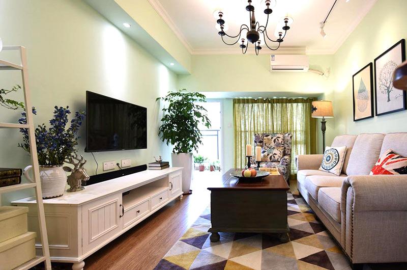 78平美式风格二居客厅吊灯设计
