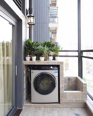 78平美式风格二居生活阳台设计