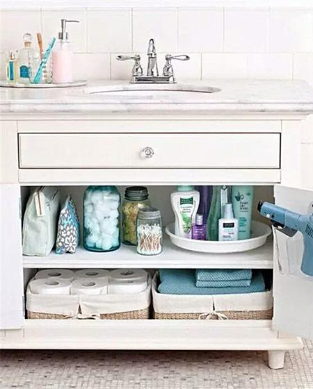 卫生间浴室柜收纳设计装修