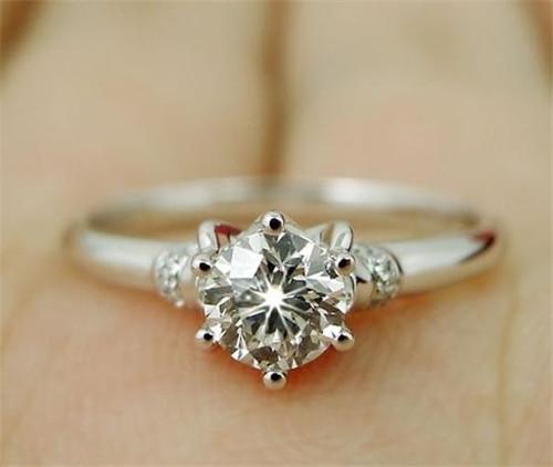 钻石图片大全 钻石戒指怎样定制
