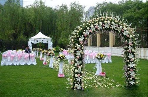 室外婚礼场景布置_户外婚礼场景布置-户外婚礼怎样布置场景
